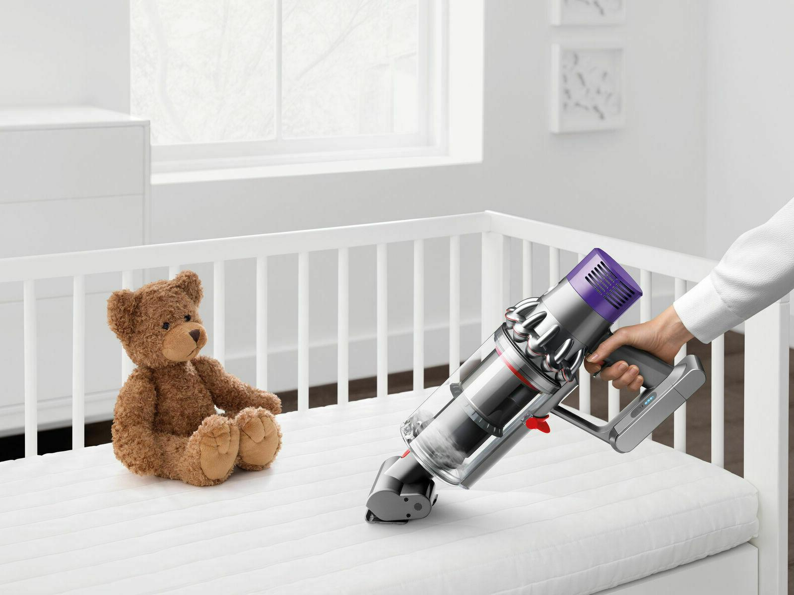 Dyson Cyclone pro wireless with accessories